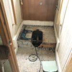 施工中① トイレ