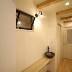 リクシル「どこでも手洗い」は雰囲気を壊さないでインテリア家具のように溶け込んでくれます